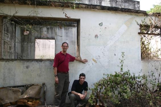 2007 12 29 Udorn, Missile Shop, AIM-7 Wall 4